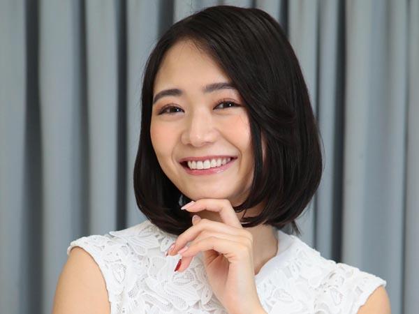 女優の緑川静香さん(C)日刊ゲンダイ