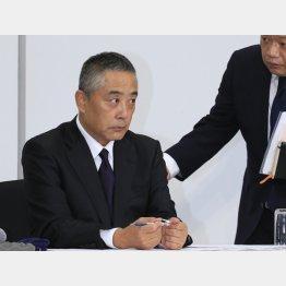 大失敗だった吉本興業の岡本社長の会見(C)日刊ゲンダイ