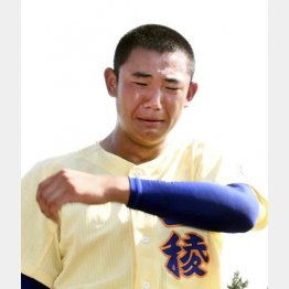 安堵の涙を浮かべる奥川(C)共同通信社