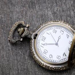 アンティークの機械式腕時計はなぜ価値が高いのか?