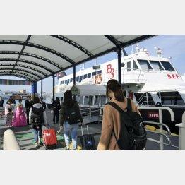 福岡と韓国・釜山を結ぶ高速船「ビートル」(C)共同通信社