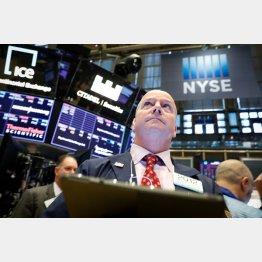 NYダウ暴落、一時961ドル安も(NY証券取引所)/(C)ロイター