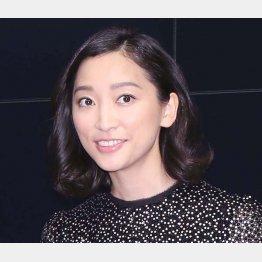 杏主演の「偽装不倫」も失速(C)日刊ゲンダイ