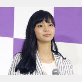 新川優愛(C)日刊ゲンダイ