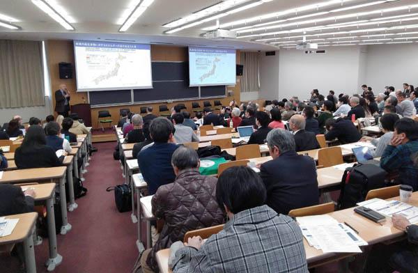 千葉商科大学の公開セミナーにはシニアの参加者も多く訪れた(提供写真)