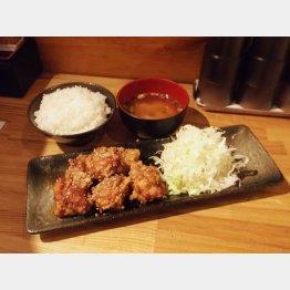 元祖キッシーの唐揚げ定食(レギュラーサイズ700円)(提供写真)