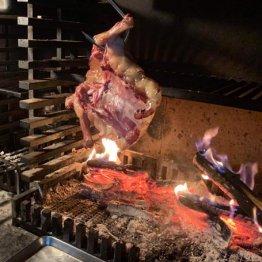 キャンプ風薪火料理「Maruta」は初対面の人と料理をシェア