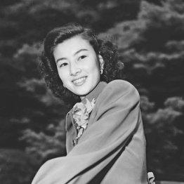 """""""日本を代表する女優""""山本富士子 大映退社で出演不可能に"""