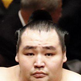 鶴竜が2日続けて金星配給 大相撲に「横綱空位時代」の危惧