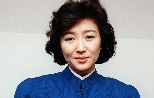 NHK紅白に初出場した1988年当時の桂銀淑(C)共同通信社