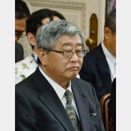 国会内でヒアリングを受ける日本郵政の鈴木康雄副社長(C)日刊ゲンダイ