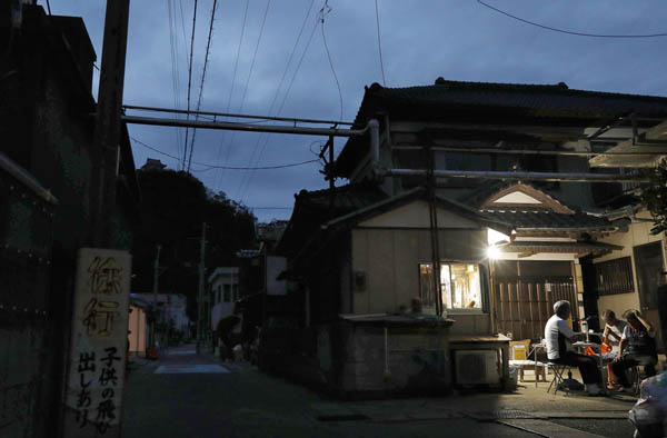 台風15号は大規模停電を引き起こした(C)共同通信社