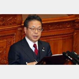 8日の参院本会議では、安倍首相をヨイショしまくり(C)日刊ゲンダイ