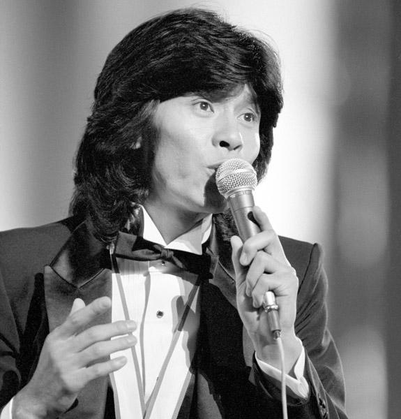 第9回日本歌謡大賞で歌う西城秀樹さん=1978(昭和53)年(C)共同通信社