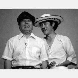 坂上二郎さん(左)と萩本欽一さん(C)共同通信社