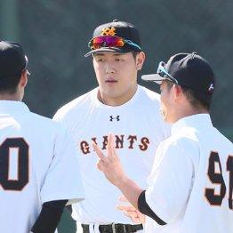 原監督が再び明言…来季こそ「岡本三塁」で辛抱できるか