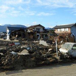被災地のいま<上>台風19号1カ月 長野を襲う下水と土の臭気