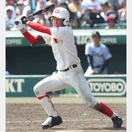 楽天2位指名の黒川史陽、「球界の代表する選手に」と父・洋行さん(C)日刊ゲンダイ