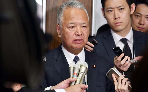 安倍首相の側近が何故?(自民党の甘利税調会長)/(C)日刊ゲンダイ