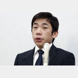 会見する織田信成さん(C)共同通信社