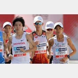 MGCは23位に終わった佐藤悠基(=中央、右は大迫傑、左は設楽悠太)/(C)日刊ゲンダイ