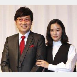 山里亮太(左)と蒼井優(C)日刊ゲンダイ