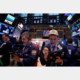 株高を演出してきた海外投資家の動きが…(C)ロイター