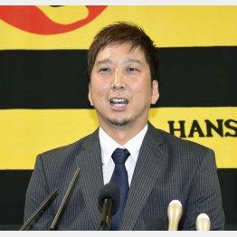 藤川は補強の重要性を訴えたが(C)共同通信社