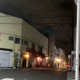 【雪が谷大塚編】人けのない築50年超の建物に灯る赤提灯