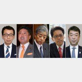 左から船橋利実氏、下地幹郎氏、岩屋毅氏、宮崎政久氏、中村裕之氏(C)共同通信社
