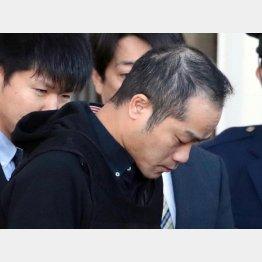 事件から5カ月、移送される宮崎容疑者(C)日刊ゲンダイ