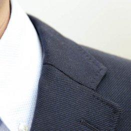 そのスーツは古臭い…チェックすべきはゴージラインと着丈