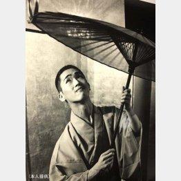 太神楽師の翁家勝丸さん(提供写真)