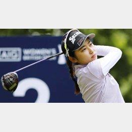 全英女子オープン最終ラウンド、2番でティーショットを放つ安田祐香(C)共同通信社