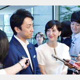 小泉進次郎と滝川クリステル(C)共同通信社