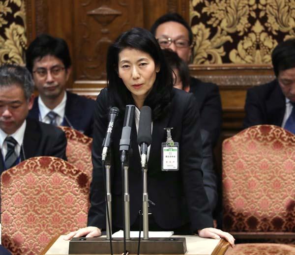参院予算委員会での追及にも堂々反論(C)日刊ゲンダイ