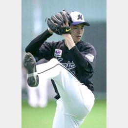 7日、初めて捕手相手にキャッチボールをした佐々木(C)日刊ゲンダイ