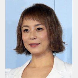 佐藤仁美は3カ月で12キロ減に(C)日刊ゲンダイ