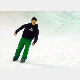 新しいウィンタースポーツ「Snowfeet(スノーフィート)」/(C)日刊ゲンダイ