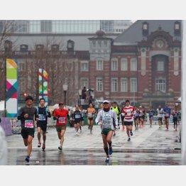 2019年も約3万8000人が走った東京マラソン(C)日刊ゲンダイ