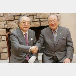 左から、カジノの是非を決める横浜市民の会共同代表の小林節氏と新横浜ハーバーリゾート協会会長の藤木幸夫氏(C)日刊ゲンダイ