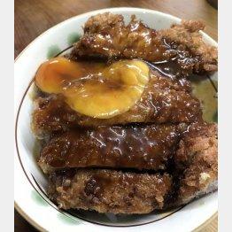 岡山の「だてそば」のカツ丼(C)日刊ゲンダイ