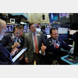 超続落で、9日、12日と続き16日にも株式売買一時休止措置(サーキットブレーカー)が発動(C)ロイター