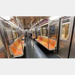 平日朝なのに地下鉄は空っぽ(提供写真)