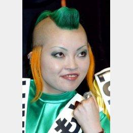 ド派手なヘアスタイルがトレードマークだった(2005年撮影)/(C)日刊ゲンダイ