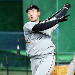 巨人・岡本流「超スローボール打ち」の効果…恩師が解説