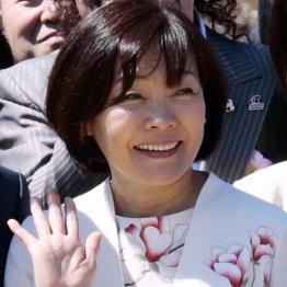 花見の次は団体旅行 昭恵夫人がコロナ会見翌日にお出かけ