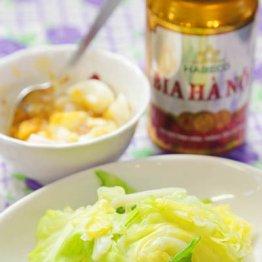 【茹でキャベツ 茹で卵のヌックマムだれ添え】ベトナムの定番