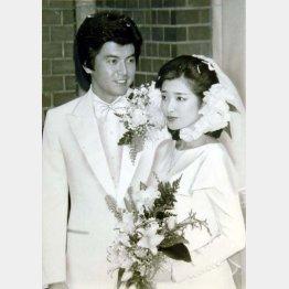 三浦友和との結婚式(C)日刊ゲンダイ