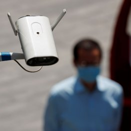 個人を縛る中国が5Gを支配すれば立ち小便も不倫もできない